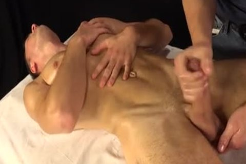 Jason Lucius receives Oily handjob
