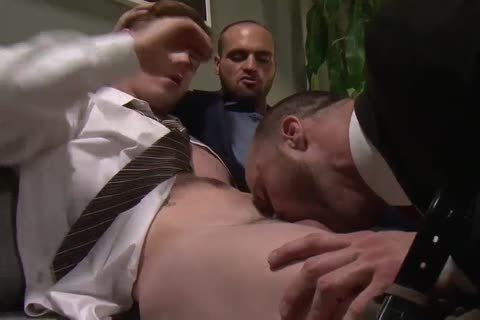 OFFICE lad acquires double penetration