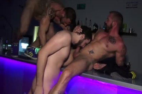 bare Bar orgy
