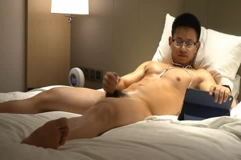 Chinese Glasses Geek Athlete Muscle Hunk Show His Body And cum