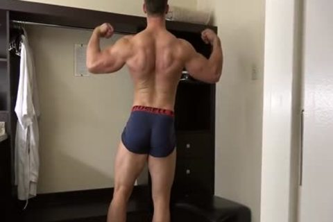 pumped up Fitness Enjoying Giving pleasure To His naughty Body