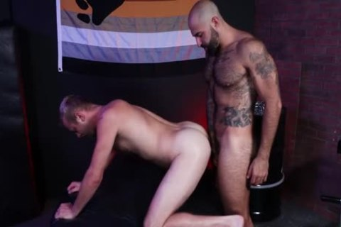 Otter In The Bear Den W Chandler Scott & Atlas Grant